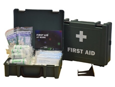Image displaying a 20 Person HSE First Aid Kit showing its size and the treatments included.