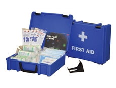 Image displaying a 20 Person HSE Catering First Aid Kit showing its size and the treatments included.