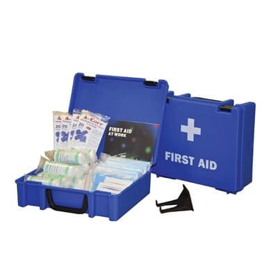 Image displaying a 50 Person HSE Catering First Aid Kit showing its size and the treatments included.